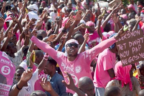 Haiti-Politique: Des militants du PHTK à la traine